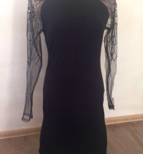 Вечернее черное мини платье 44-46 новое паетки