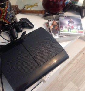 Sony PlayStation3 слим 12 ГБ +3 игры +2 Джойстика