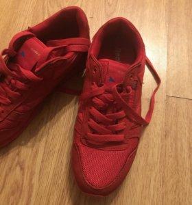 Мужские кроссовки 42