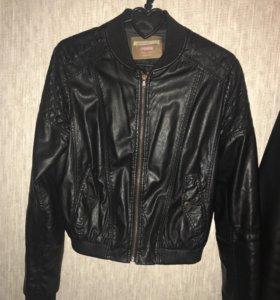 Куртка кожанка bershka