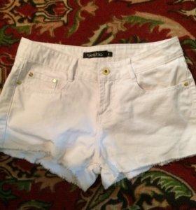 Пристраиваю джинсовые шорты