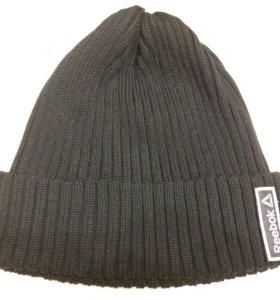 Женская шапка Reebok