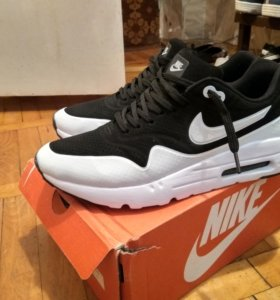 Продаю кроссовки Nike Air Max 1