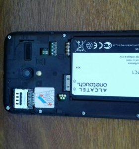 Телефон Alcatel ONETOUCH Pixi 3