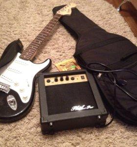 Электрогитара Fender squier+чехол+усилитель+струны