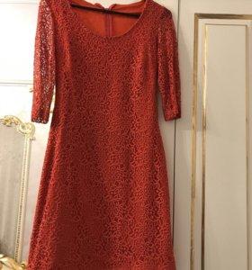 Коралловое платье по фигуре