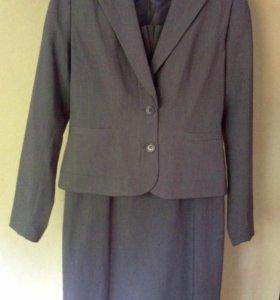 Костюм деловой (платье футляр и пиджак)