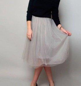 Платье, сарафан+кофта на плечи.
