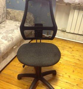 Продаётся стул для школьника