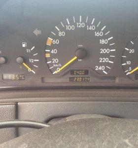 Мерседес Benz E класс