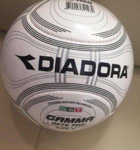 Футбольный мяч DIADORA