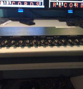 Двухканальный компрессор DBX 166 XL USA