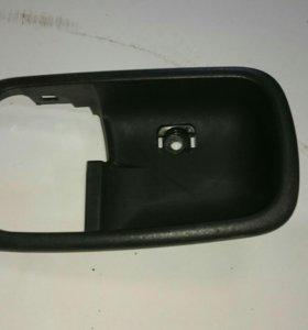 Вставка ручки двери передней левой лансер 9