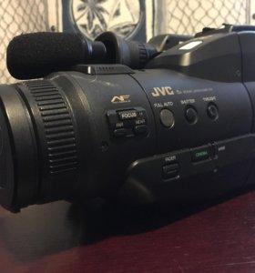Видеокамера JVC GR-M31