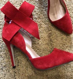 Новые туфли 40 р-р