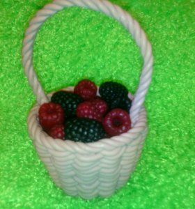 Корзинка с ягодами - сувенирное мыло