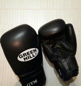 Боксерские перчатки+майка и трусы