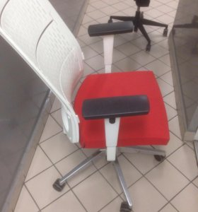 Компьютерный кресло