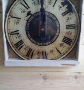 Часы настенные  полностью из стекла