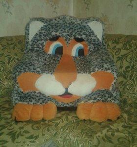 Большая мягкая игрушка кресло
