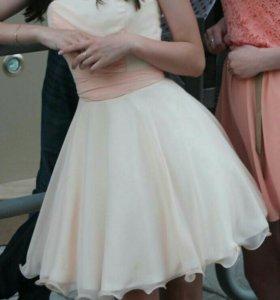 Продам платье на выпускной вечер.
