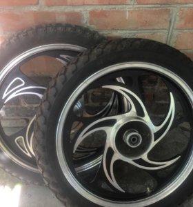 Продаю колеса в сборе на мопед
