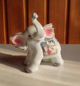Фарфоровый слоник статуэтка сувенир