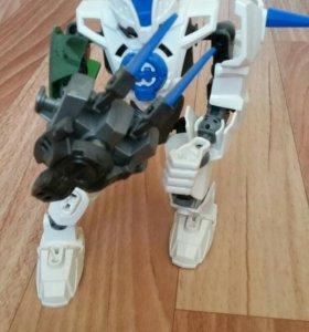 "Фигурка из Лего ""Носорог"""