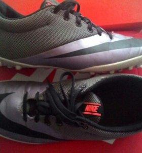 Шиповки Nike 40 размер стелька 26 см. Оригинал