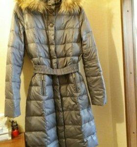 Пуховое фирменное пальто 44 р