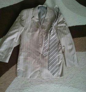 Пиджак и галстук