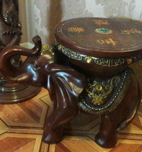 Напольная вешалка в стиле барокко