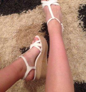 Туфли bershka на платформе