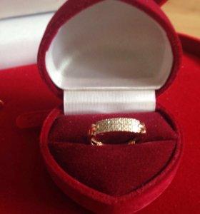 Кольцо 585 проба с бриллиантами
