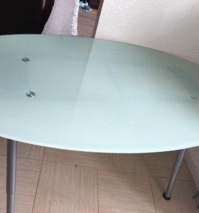 Стеклянный стол IKEA