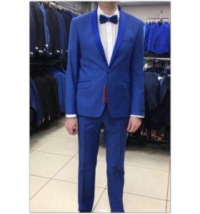 Свадебный костюм-смокинг