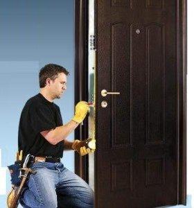 Установка новых входных металлических дверей