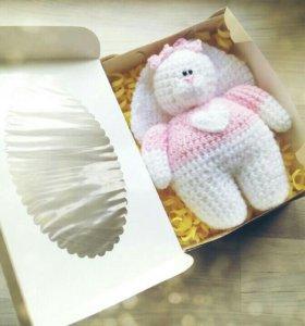 Зайка в подарочной упаковке
