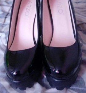 Туфли одевались один раз.37р