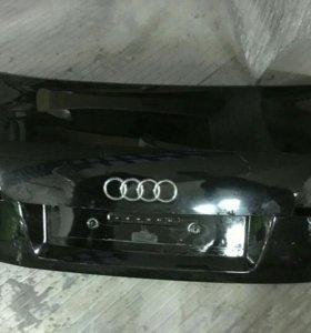 Крышка багажника Audio A4 B7