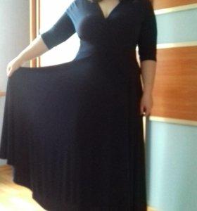 Красивое новое платье с этикеткой