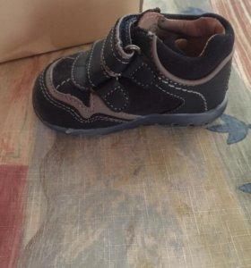 Детские ботинки chicco новые