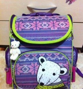 Клевый рюкзак для девочки с мишкой)
