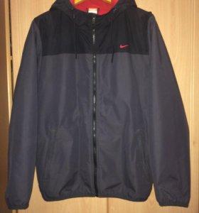 Куртка Nike состояние новой
