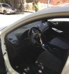 Hyundai Solaris 1.6 MT, 2012 хетчбэк