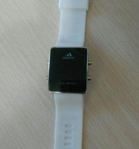 Светодиодные часы Adidas