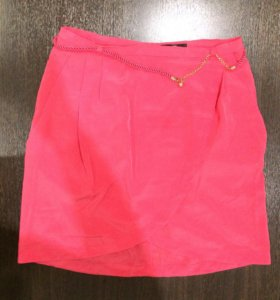 Короткая юбочка с ремешком