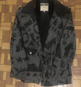 Легкое пальто Moschino, оригинал