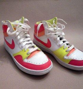 Кроссовки Nike Court