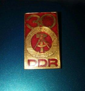 Значок 30 лет ГДР